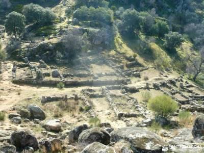 Ciudad de Vascos-Dolmen de Azután;imagenes de campamentos de verano rutas verdes madrid senderismo